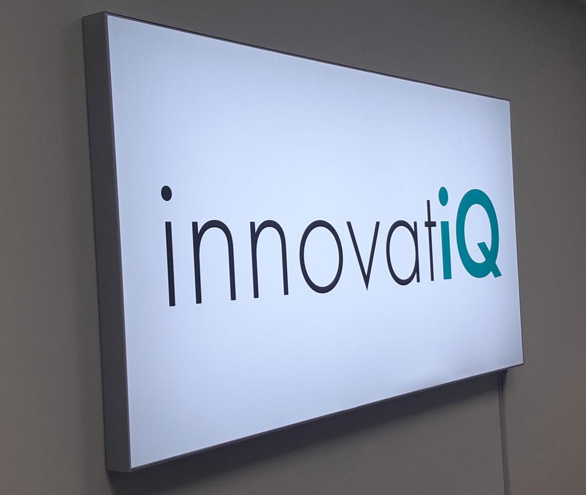 innovatiQ Logo